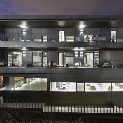 Residencia Cantera del Real Madrid _ en Report 16 Reynaers